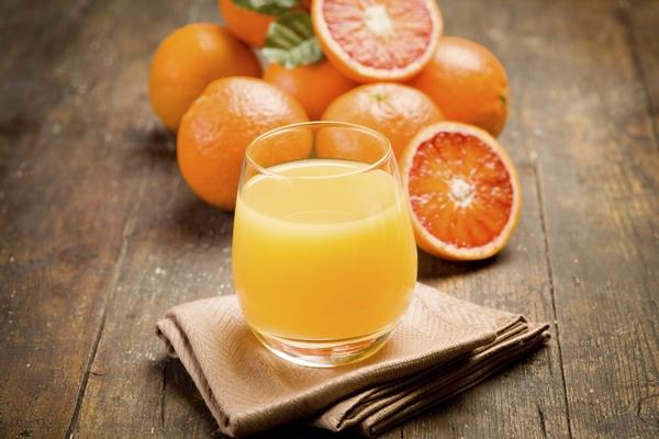 Апельсиновый сок: 6 рецептов ароматного напитка на зиму и не только