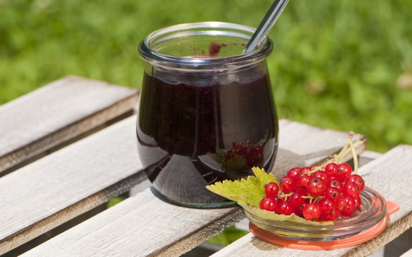 Варенье из боярышника: польза и различные рецепты