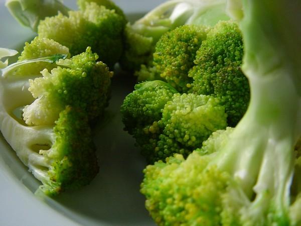 Заготовки из капусты брокколи: самые разные рецепты