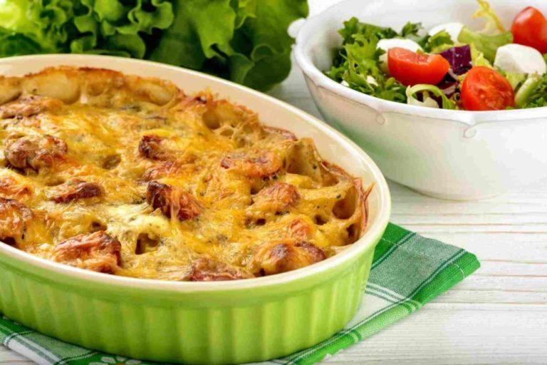 Рецепт мясной запеканки с опятами и картофелем